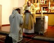 presa dei voti sull'altare