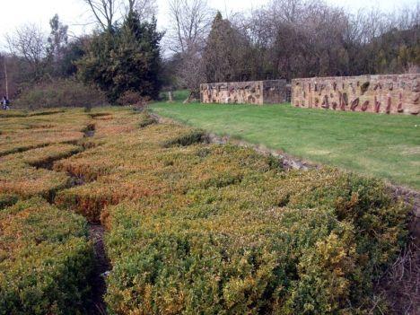 mura perimetrali e giardini