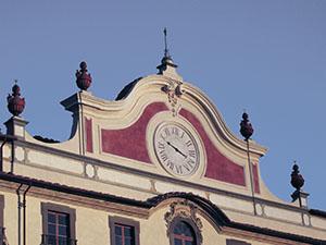 orologio meccanico facciata certosa Calci