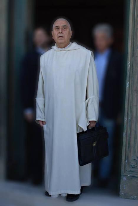 Dom Basilio Trivellato in una recente visita alla certosa di Calci