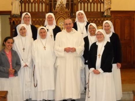 Padre Modesto e le suore
