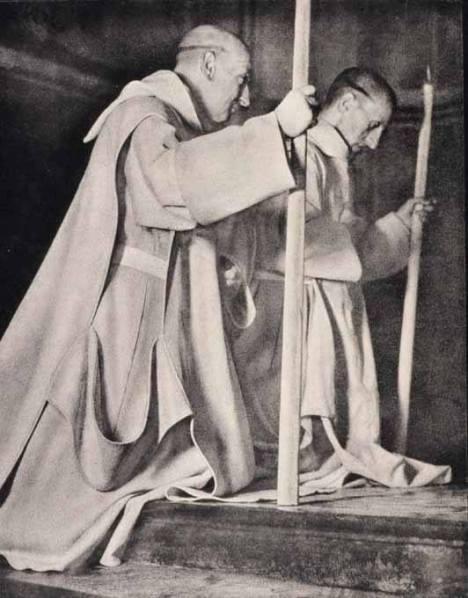 tonsura La tonsura dei monaci Certosini, i fratelli conversi sono rasati a zero e portano la barba incolta.