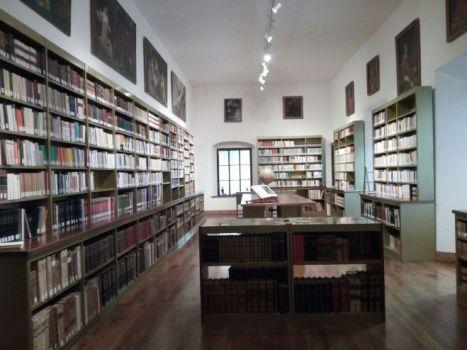 Biblioteca Serra 1