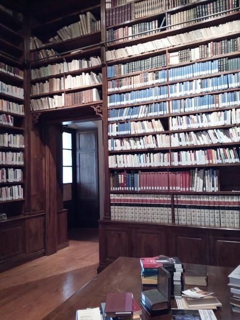 biblioteca Serra