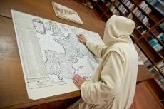 Consultando la mappa di Hilayon Boniere