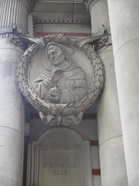 Medaglione di Bonifacio di Savoia a Westminster