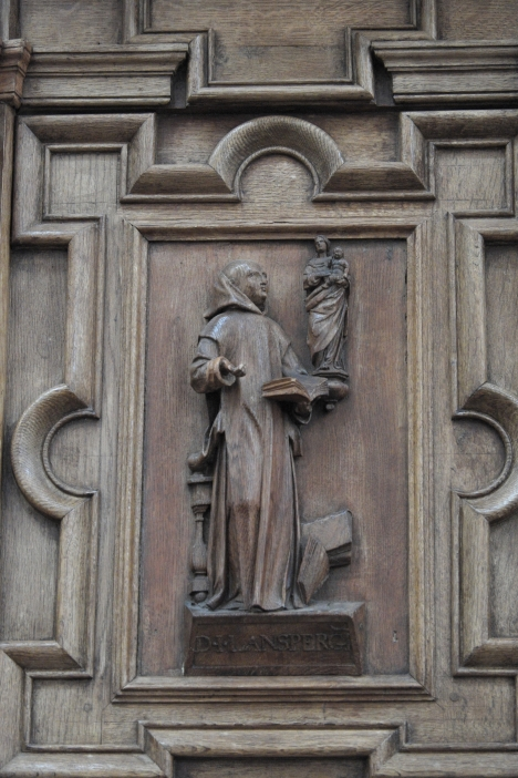 Dom lanspergio scolpito nel pulpito a Laon