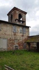 320px-Castello_di_Carpiano,_torrione_sud-sud-ovest